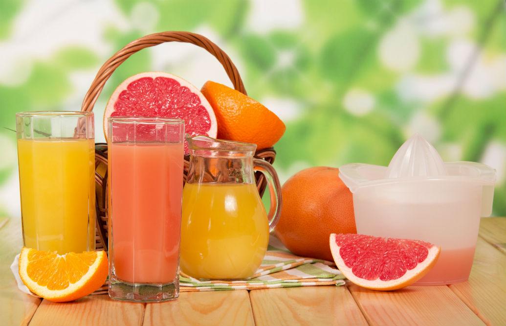 Is a Citrus Juicer or Lemon Squeezer Better for Lemons?