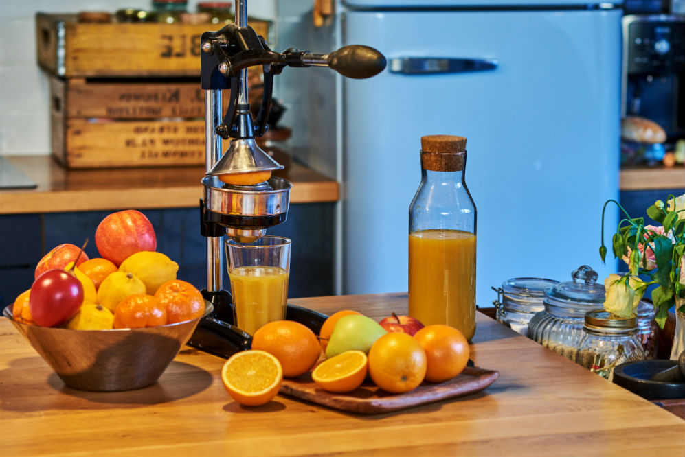 How to Use a Manual Citrus Juicer